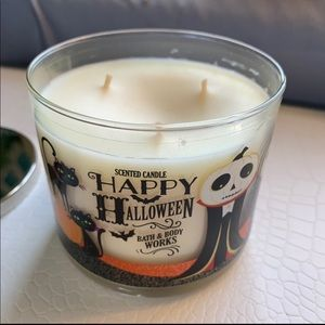Bath and body works Halloween 3 Wick Candle